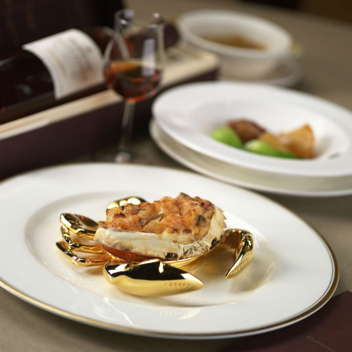 TangCourtBaked seafood rice in crab shell.jpg