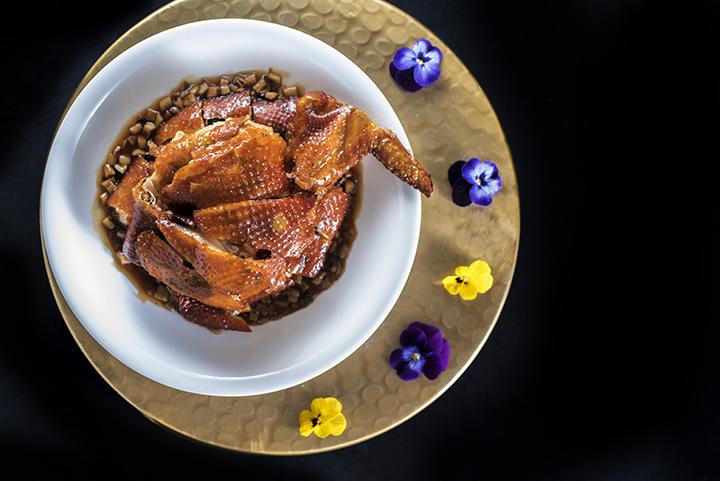 唐人館的黑松菌海鹽焗法國春雞 (圖:唐人館)