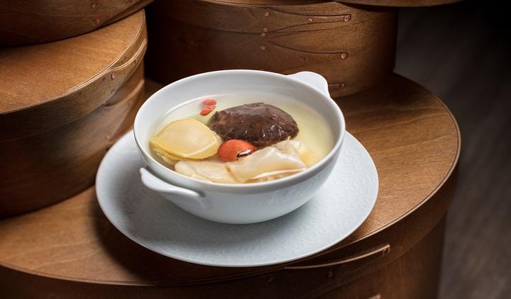 於母親節當晚,特別為媽媽們送上中式滋潤燉盅例湯。(圖:澳門JW萬豪酒店)