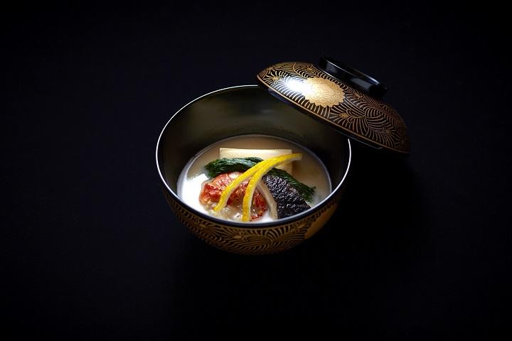 高橋淳認為,煮物椀,即是他們的清湯,是柏屋最卓越的菜式。(圖:柏屋)
