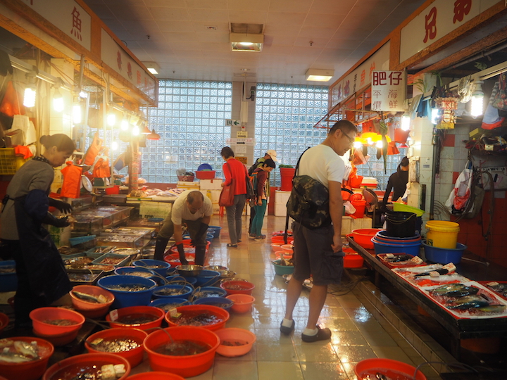 Chef David Lai is fond of visiting fond of Ap Lei Chau Market as it has a diverse variety of seafood. (Photo: Agnes Chee.)