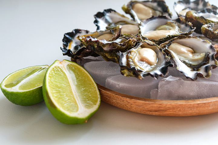 Freshly shucked sydney rock oysters.
