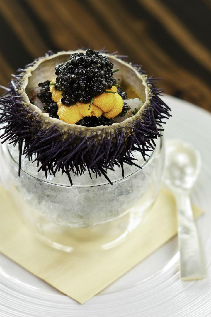 Waku Ghin 招牌菜:牡丹蝦、海膽、魚子。