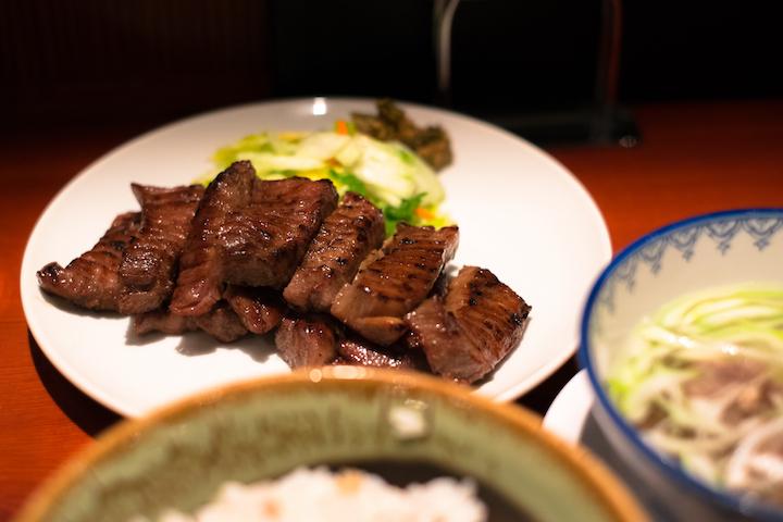 牛舌料理是宮城縣的名物之一。