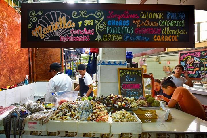 在秘魯首都利馬 Mercado 1 本地菜市場中,必去現煮海鮮檔 El Cevichano。(攝影:鄔智明)