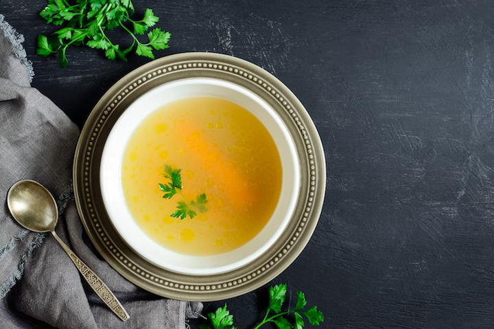 清澈見底的清湯。