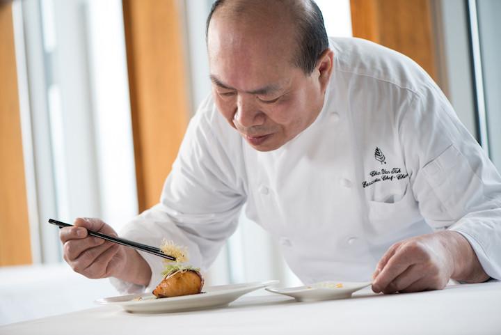 四季酒店中菜行政總廚陳恩德入廚超過半世紀,經驗是他最大的武器。