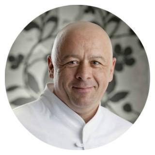 https://robert-parker-michelin-hk-prod.s3.amazonaws.com/media/image/2017/10/05/d8f25776170242c0a444d9d5ea1f26ad_Badoit+chef.jpg