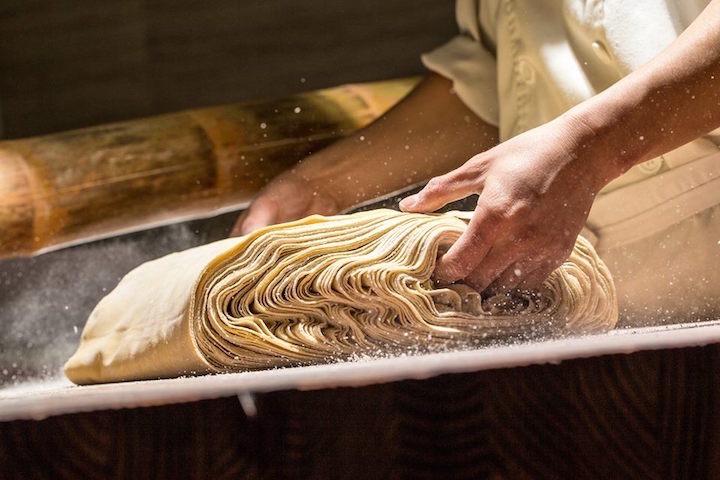 麵條以麵粉加上鴨蛋每日鮮製。