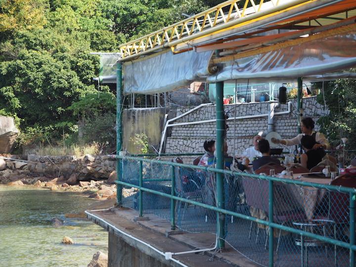 漁村酒家棲身於索罟灣一角,怡然自得,跟大街上商業味濃的酒家有著截然不同的氣質。